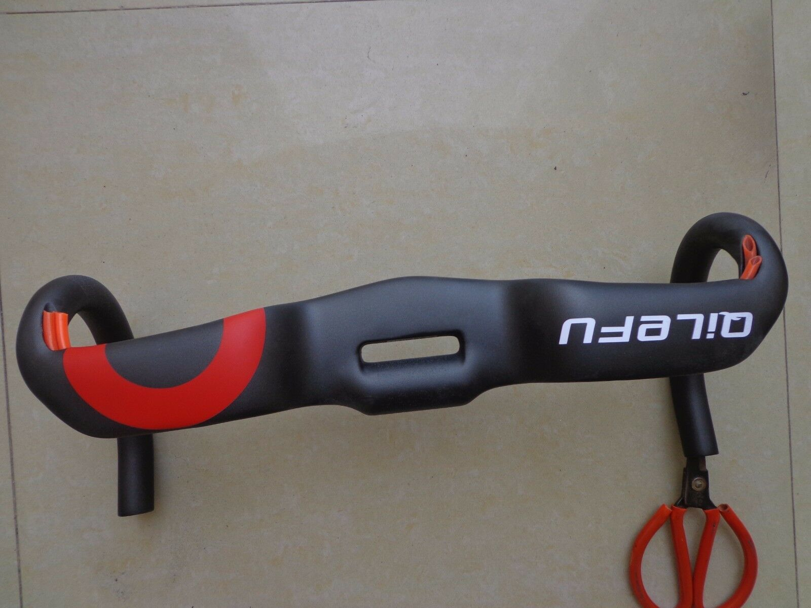 New QILEFU Road bike racing full carbon fibre  bicycle handlebar internal cable  large discount