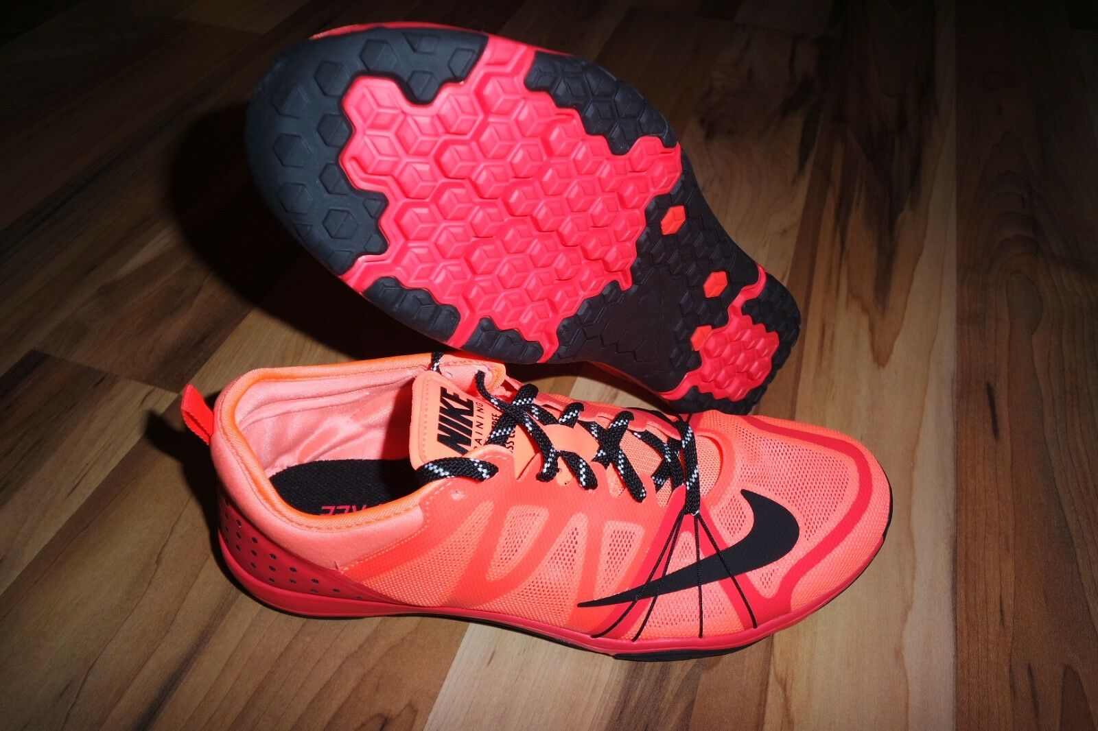 Nike Free Cross Compete Running Shoes Trainers MANGO 749421 802  US 9.5