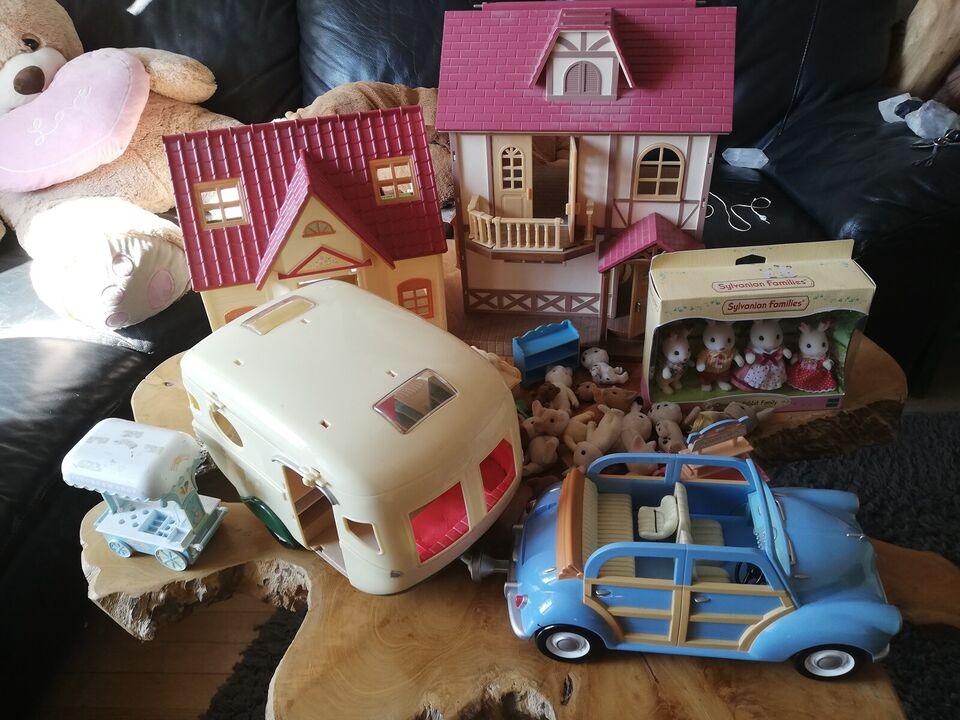Sylvanian, Hus, bil og campingvogn dukker