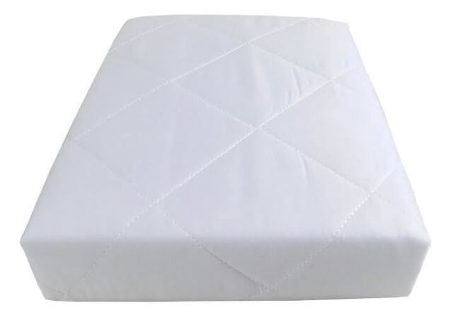HOTEL QUALITY QUILTED ANTI ALLERGENIC 4 FOOT MATTRESS PROTECTOR 122x190CM