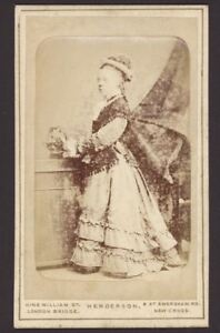 Antique-CDV-Photograph-Victorian-Lady-Raised-Relief-photograph-by-Henderson