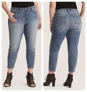 a6d329c08f2f5 Torrid Light Wash Girlfriend Button Fly Bahama Jeans Regular 3X 22 ...