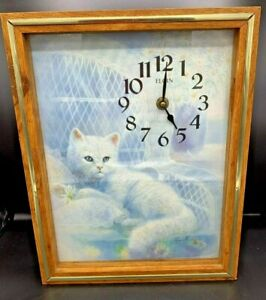 Beautiful-Vintage-Cat-White-Persian-Kitty-Elgin-Wall-Clock-by-Ruane-Manning