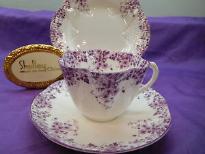 DAINTY-MAUVE-DAISY-CUP-SAUCER-AND-8-034-PLATE-MAUVE-TRIM-WOW
