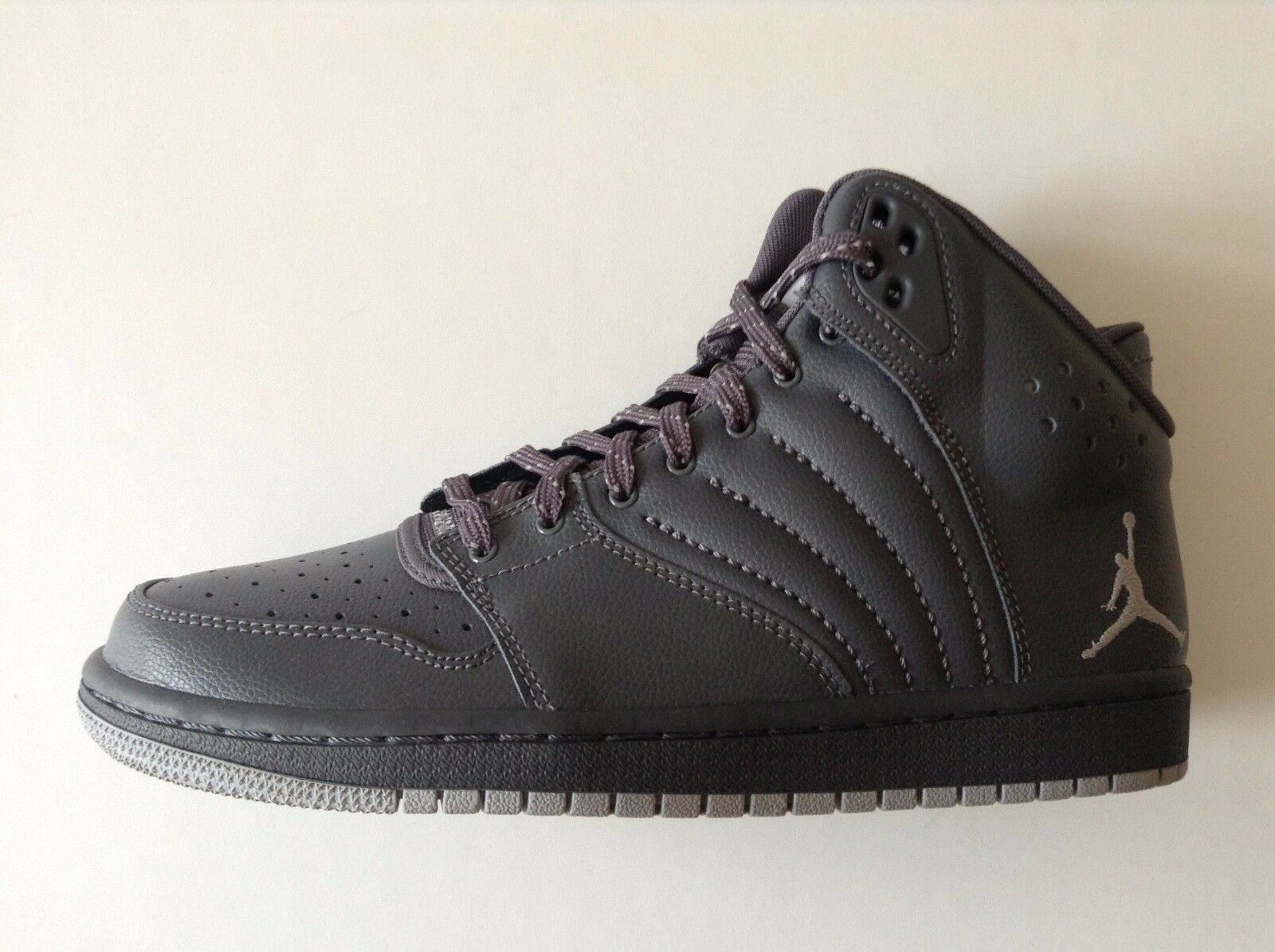 Genuine Nike Jordan 1 Flight 4 Hi Top Basketball Trainers - Gris -UK 7-7.5 - NEW