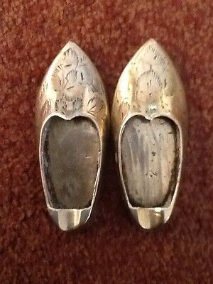 Vintage Pair Of Etched Floral Brass Shoes Slippers Ash Trays Made In India