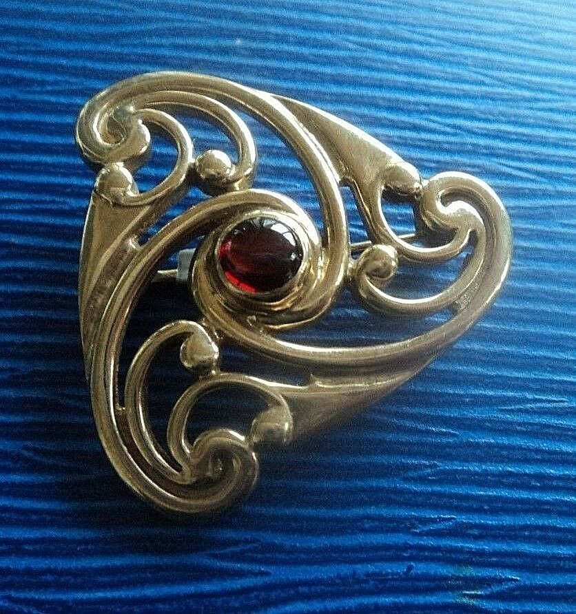 Scozzese 9ct oro Granato Triskele Triscele Spilla H H H M 1994 Ola Gorie Orkney 51a3da