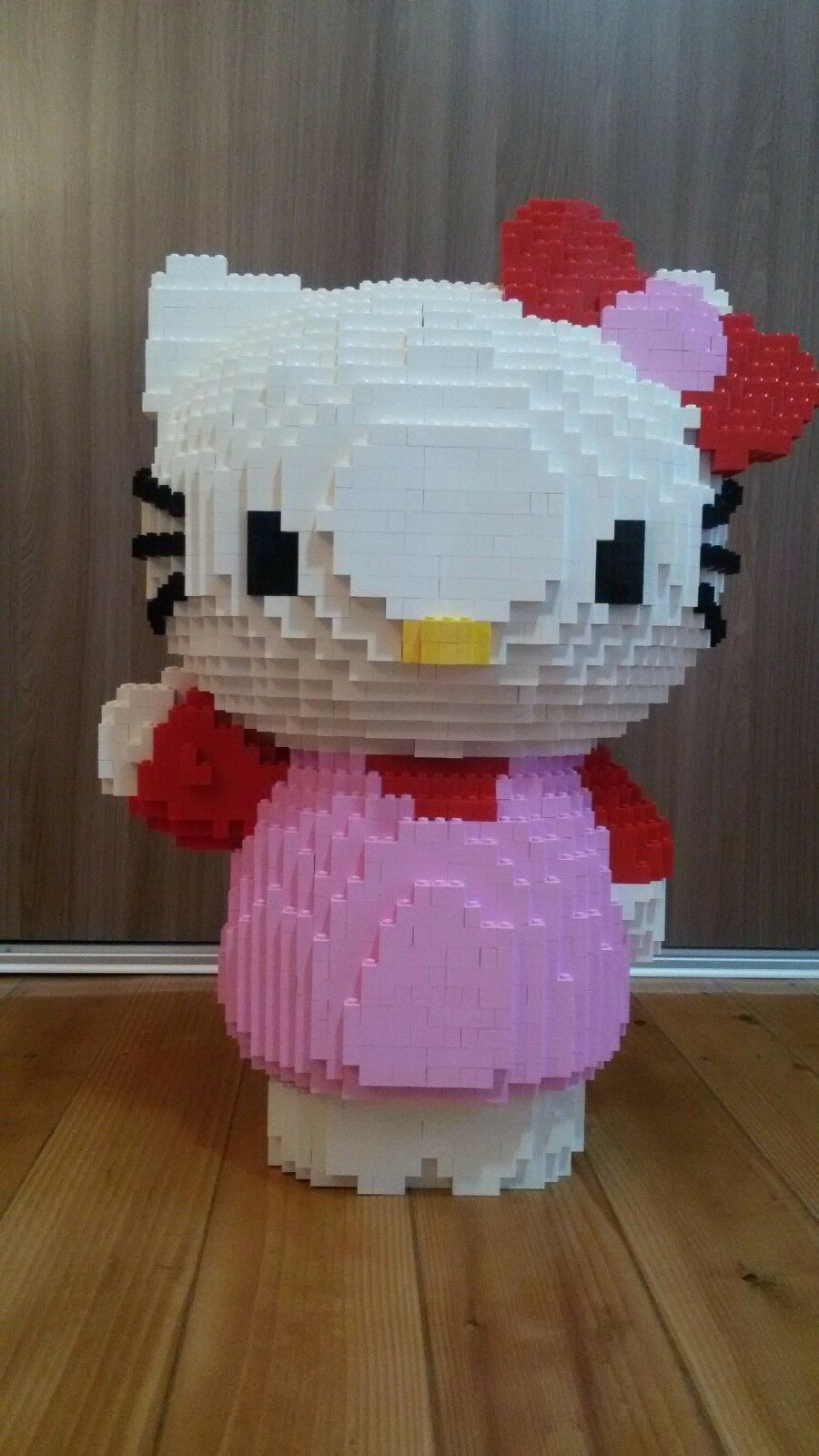 LEGO Hello Kitty statue building instruction