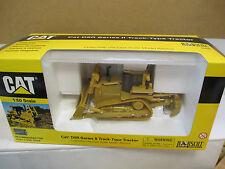 Norscot 55099 - CAT D8R Series II Track Type Tractor 1:50  B6135