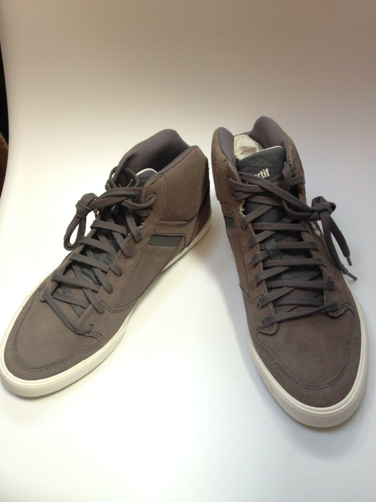 Chaussure Homme Le Coq Sportif gris taille 40