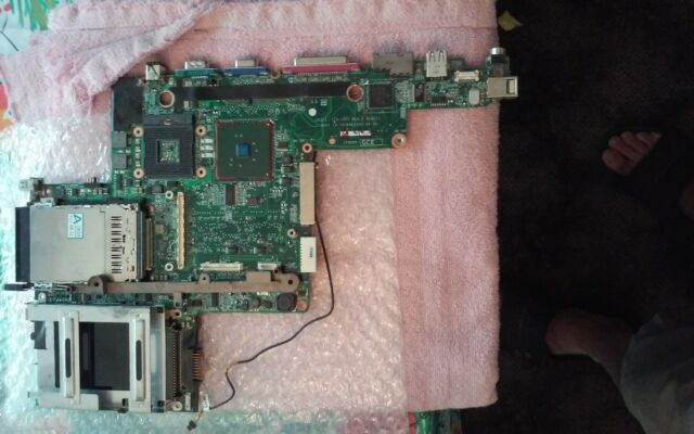 Genuine Dell Latitude D800 X1029 0X1029 Laptop Motherboard