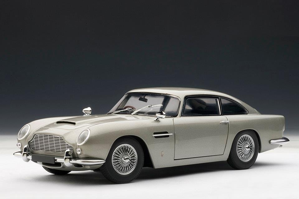 1:18 Autoart 70211- Aston Martin DB5 in Argento - Rarità