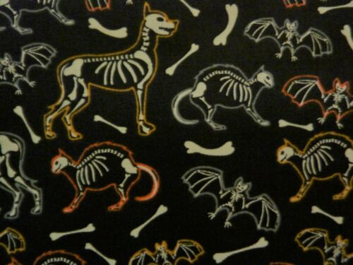FAT QUARTER  COTTON FABRIC HALLOWEEN ANIMAL SKELETONS GLOW IN THE DARK FQ