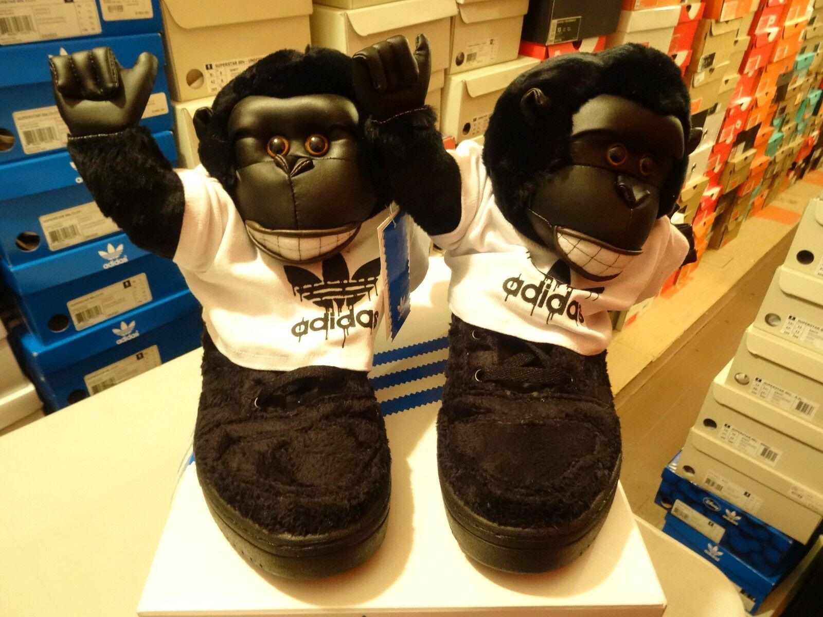 NEW Adidas Originals x Jeremy Scott Gorilla JS Black V24424 SZ 9.5 Panda Wings X