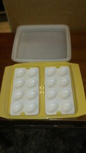 Tupperware-Deviled-Egg-Keeper-Carrier-Tray-Vintage