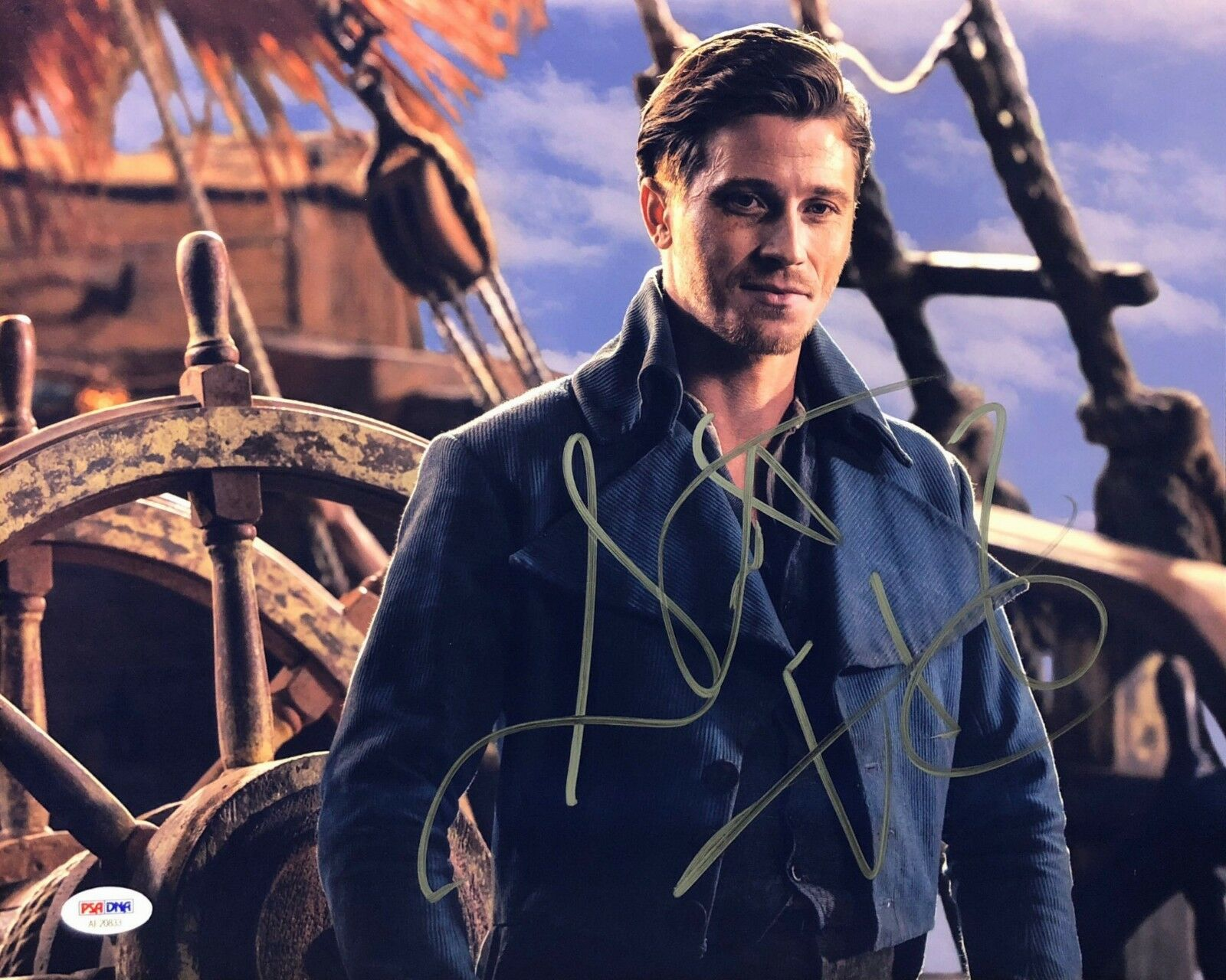 Garrett Hedlund Signed 'Pan' 11x14 Photo *Hook PSA AE20833