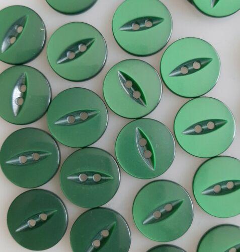 CJ0401a 10 x 19mm Emerald Green Round Plastic Buttons