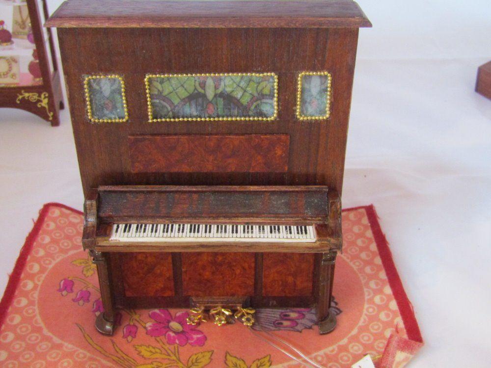 Frank preene Artisan Handcrafted Piano verdeical electrificada-Casa de Muñecas en Miniatura