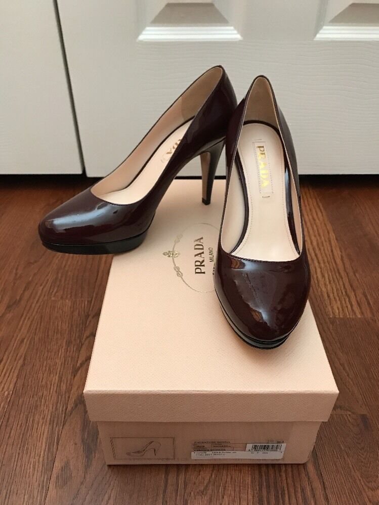 Prada NEW Burgundy And Black Pumps Size 6.5