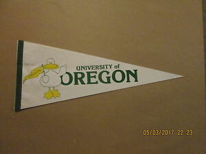 NCAA University Of Oregon Ducks Vintage Circa 1990's Logo College Pennant