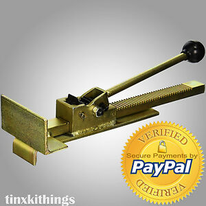 Professional Flooring Jack Install Hard Wood Straight Tile