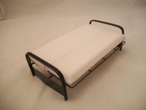 Bed Sofa EIWF312 dollhouse miniature furniture 1//12 scale metal Futon