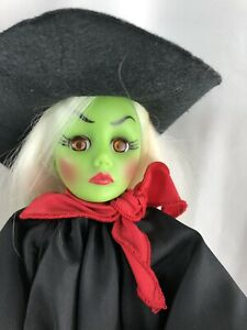 Effanbee-Wicked-Witch-Doll-1987-Scary-Halloween-doll-display