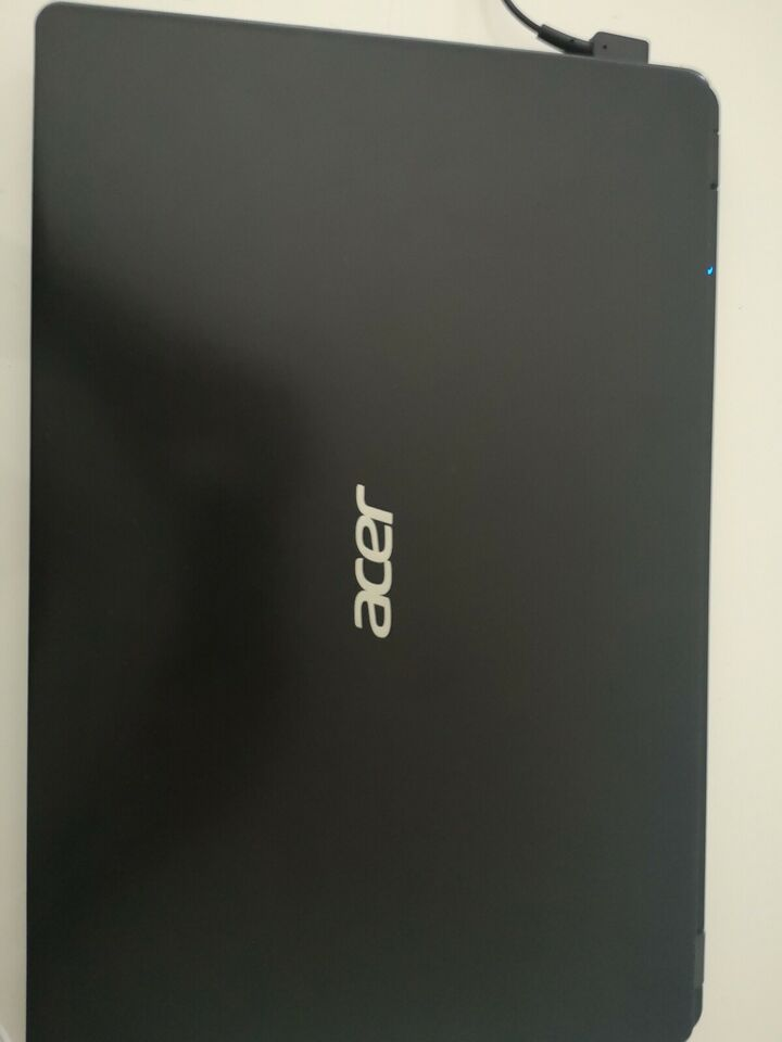 Acer Aspire 3, AMD RYZEN 3 GHz, 4gb GB ram