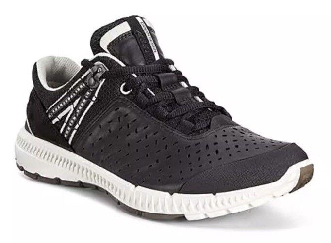 ECCO Men's Intrinsic TR Black Sneaker Sz 41