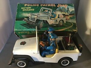 Nomura-TN-Police-Patrol-Jeep-Battery-Operated-Tin-Toy-boxed