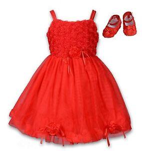 Vestido de fiesta rojo con zapatos
