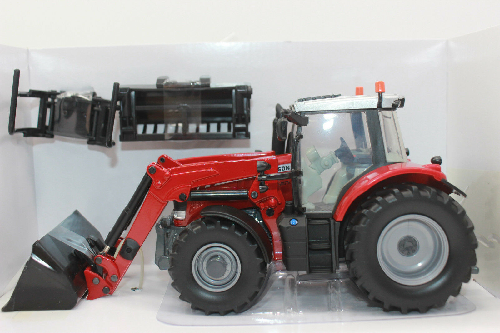 Britains 43082 Massey Ferguson 6616 Tractor + Fl 1 3 2 New Boxed Sale