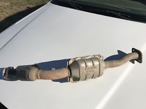 2003-2011 FORD CROWN VICTORIA 4.6L ENG PASSENGER SIDE CATALYTIC CONVERTER