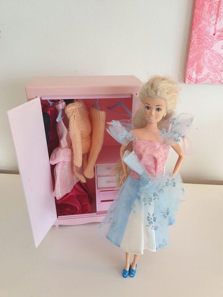 Andet legetøj, Barbie-lignende dukke med skab og tøj, M&C