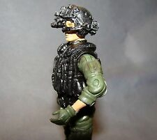 1:18 Elite Force U.S Pilot Helicopter Crew Black Hawk  Night Google Figure USAF