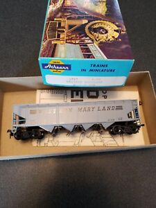 vintage-HO-SCALE-ATHEARN-1757-HOPPER-CAR-WESTERN-MARYLAND