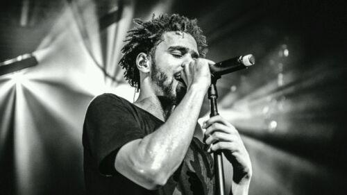"J Cole Rapper Hip Hop Artist on Stage HQ B/&W Poster Art Print 13×20 24×36 32×48/"""
