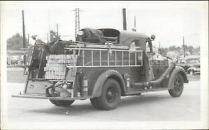 Memphis-TN-Fire-Department-Truck-Engine-22-c1950s-Real-Photo-Postcard