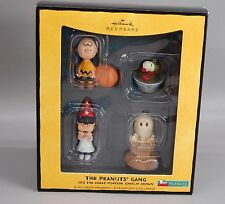 SNOOPY PEANUTS CHARLIE BROWN HALLMARK CHRISTMAS HALLOWEEN ORNAMENT THE GANG