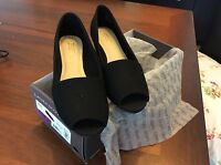 Laura Scott Casual Black Toeless Shoe Size 6 Med 83200