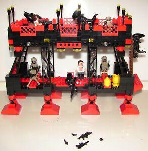Alien Vs Humain Base Custom 100%lego Pour La 10personnages Compatibles.(2)