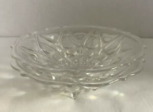Set-Of-Two-Tri-Footed-Clear-Glass-Bowls-With-Design-7