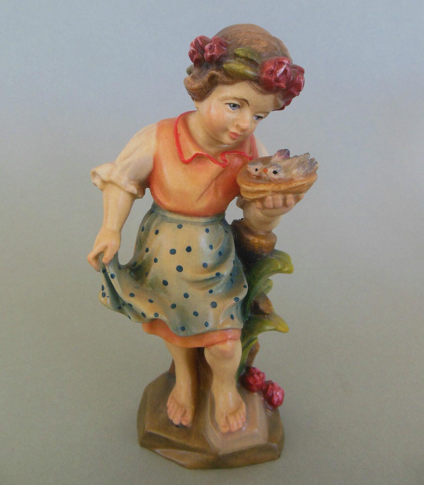 Mädchen mit Vögelchen ca. 15 cm hoch Holz geschnitzt bemalt Kinderfigur