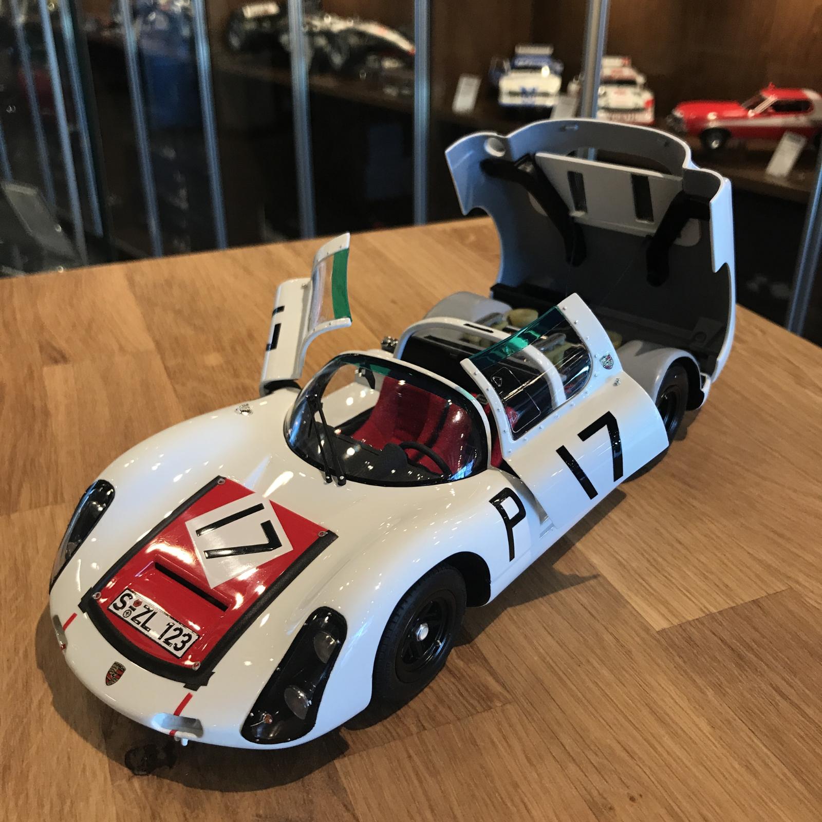 Exoto  1967 funciona Porsche 910 Nurburgring ganador 17 MTB00066