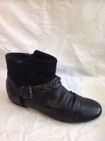 Clarks Slim Fit Black Ankle Leather Boots Size 5