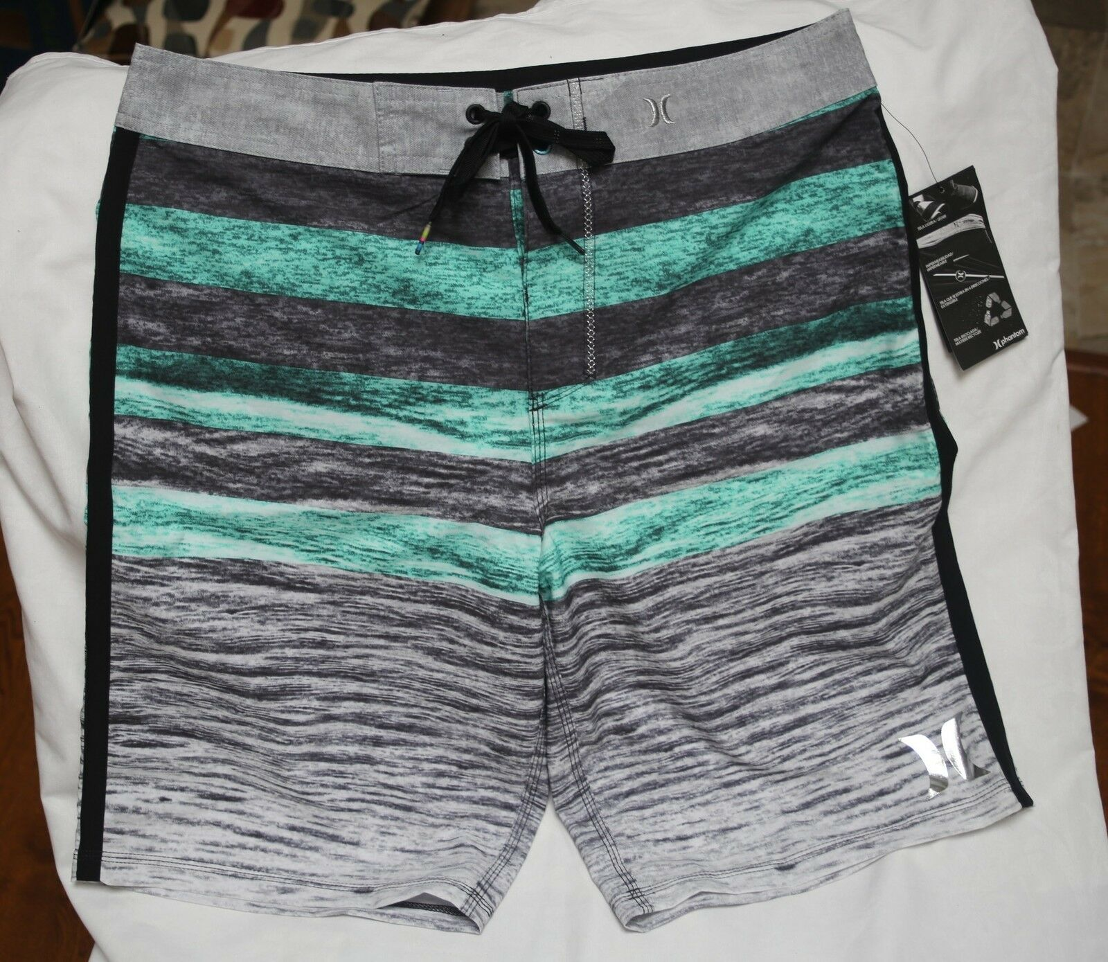 NEW HurleyP30 Ripple green board shorts size 31