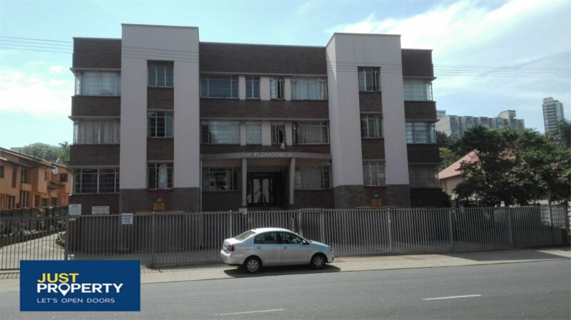Share block for sale with 24 Flats ideal student residence near the steve biko campus