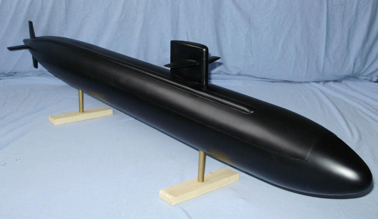 GRP formar för en modelll av Los Angeles klass ubåt.