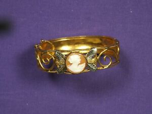 Lorraine-Signed-10K-gold-Filled-Cameo-Bracelet-Bangle-with-chain-intact-Vintage