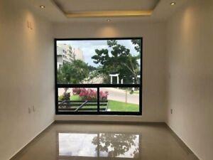 Casa con cuatro recámaras en Venta en Aqua, Cancún